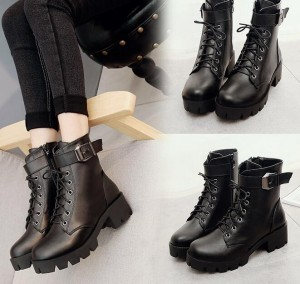 Low-Barreled Thick Heel Boots