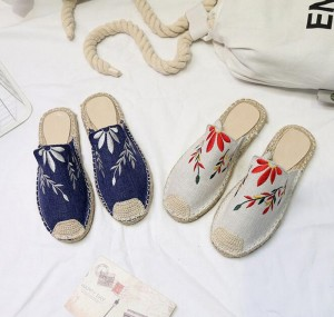 Women Manual Weave Embroidery Sandals Casual Slippers